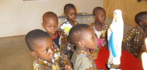 ACTIVIDADES EN EL CENTRO DE EDUDACION INFANTIL            �Mar�a Rosa Molas� (Ouagadougou) Burkina Faso