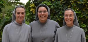 PROFESIÓN RELIGIOSA DE LA HERMANA Mª ROSA GARCÍA