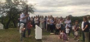 Rezo del Vía Crucis con las familias en La Lomita