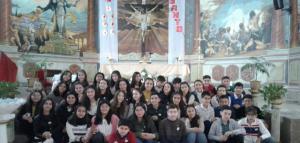 Jóvenes estudiantes confirmados en el Espíritu Consolador